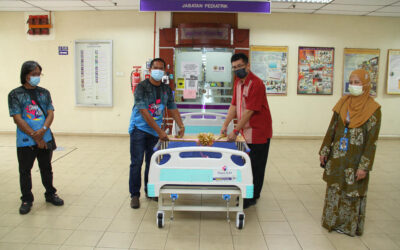 Penyerahan 10 unit katil pesakit kepada Hospital Universiti Sains Malaysia Kubang Kerian.